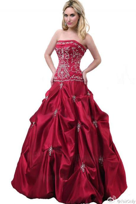 New Arrival Red Pleated Wedding Dresses Floor Length Satin Embroidered Sweetheart Strapless Bridal Dresses