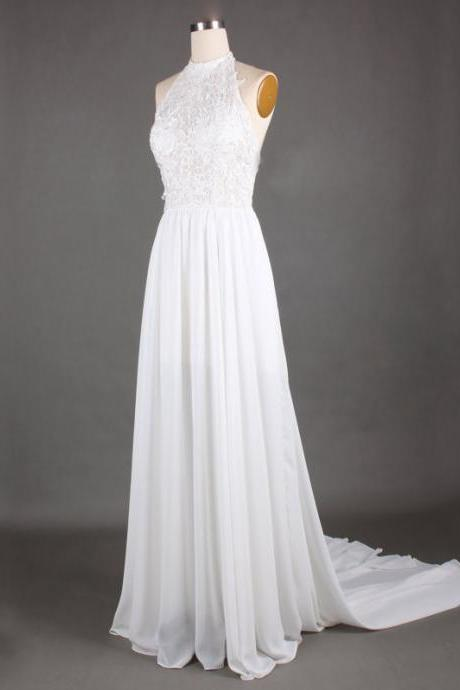Sexy Backless White Formal Dresses Halter Neckline Chiffon Long Elegant Prom Gonws With Lace Bodice And Short Train